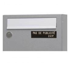 """Plaque """" PAS DE PUBLICITE - SVP """" - Fond noir, texte gravé blanc"""