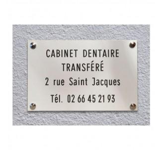 Plaque de transfert provisoire, fond blanc, texte gravé noir